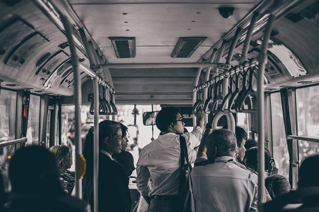 bus-3654122_640